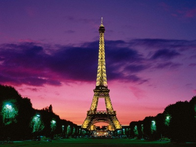 Nighttime Eiffel Tower Pictures on Eiffel Tower At Night  Paris  France   City Wallpapers   Pictures